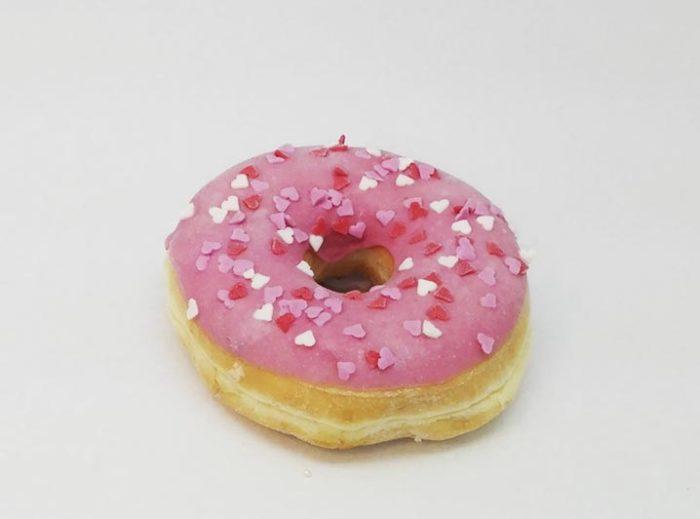 Love hearts Donut roze cerise - JJ Donuts