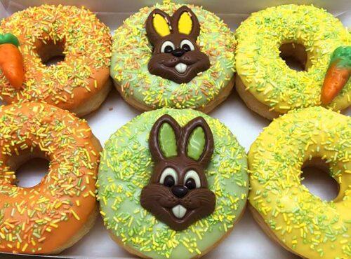 Paashaas Donut box 2021 - JJ Donuts