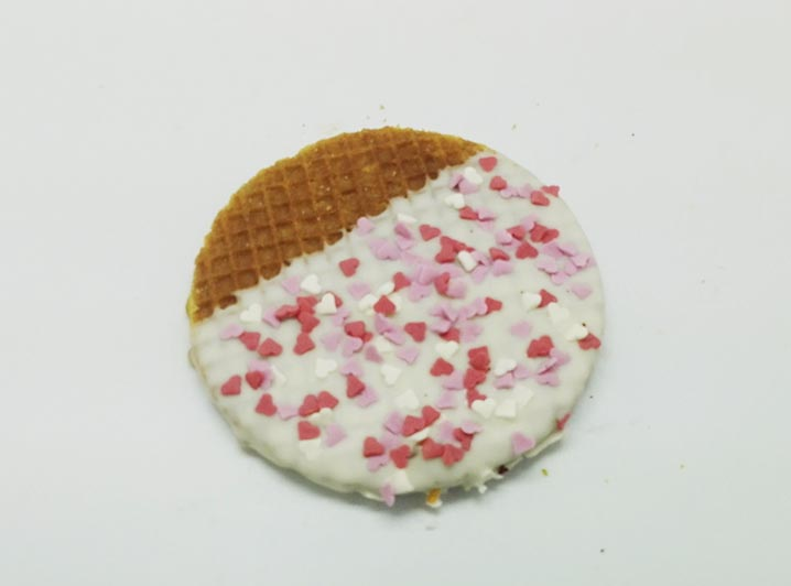 Versierde Stroopwafels witte choco hartjes - JJ Donuts