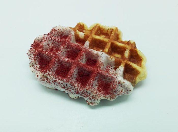Zelf Samenstellen Wafels met Witte Chocolade Red Velvet - JJ Donuts