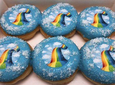 Regenboog Donut box 2019 - JJ Donuts