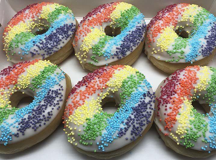 Regenboog Donut box - JJ Donuts