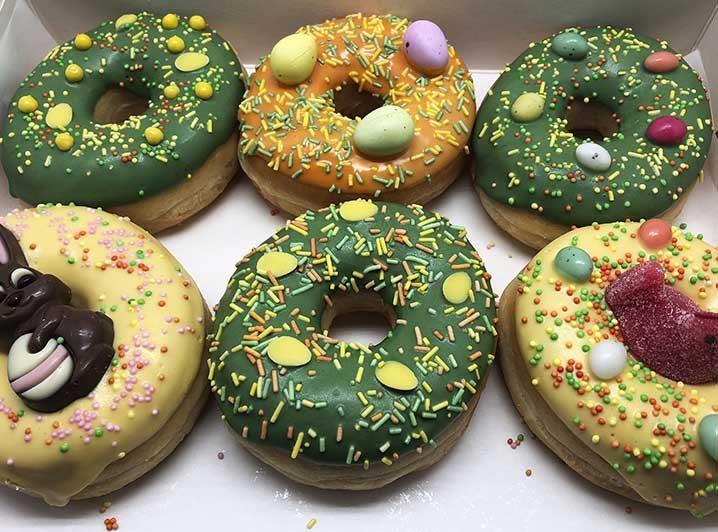 Vrolijk Pasen Donut box zonder boodschap - JJ Donuts