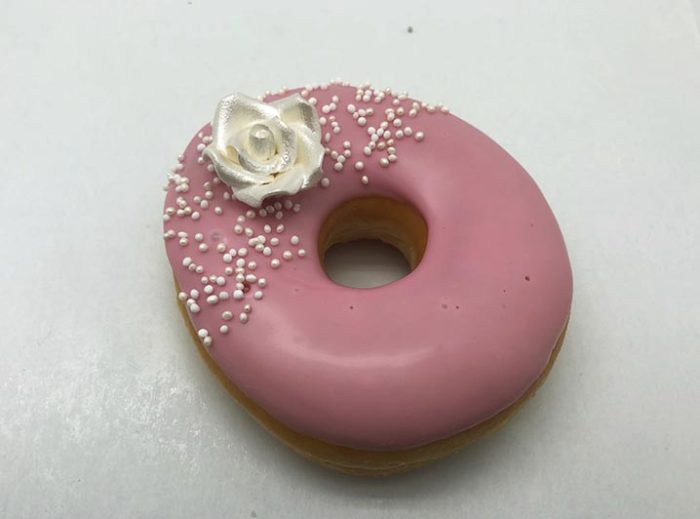 Bruidsdonut Zilveren Roos - bruiloft donut - JJ Donuts
