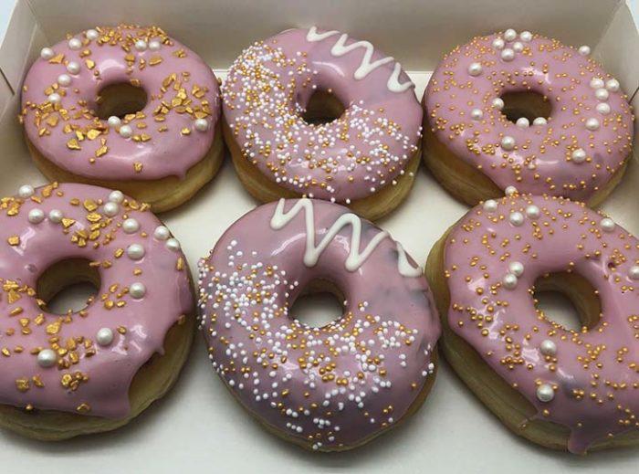 Gold Donut box optie 2 - JJ Donuts