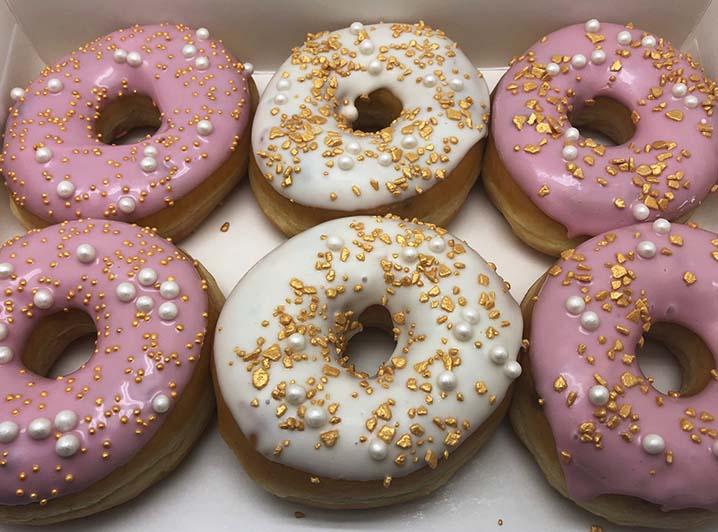 Gold Donut box optie 3 - JJ Donuts