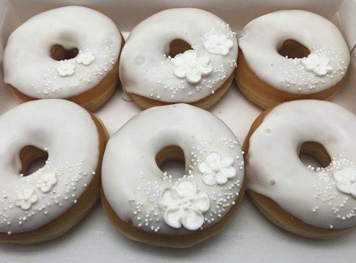 Witte Bloem Bruiloft Donut box - JJ Donuts