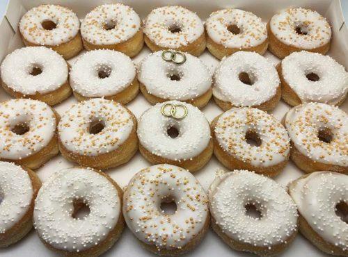 Witte Bruiloft Mini Donut box zonder ringen - JJ Donuts