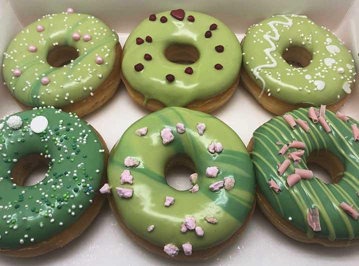 Bohemian Bruiloft Donut box - groen - JJ Donuts