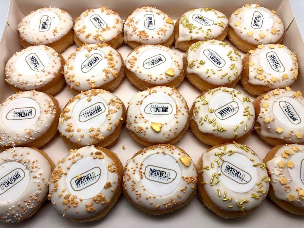JJ Donuts - zakelijke donut inspiratie - mini donuts met goud