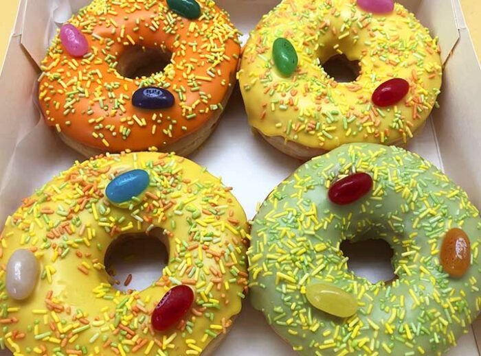 Paas Chocomunten Donut box zonder - JJ Donuts